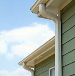 Eavestrough and Downspout